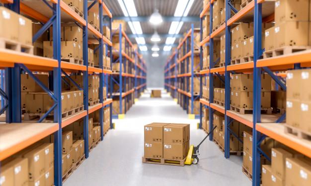 برنامج مخازن لينكيت وأهميته في الجرد  Warehouse-indoor-view_103577-1356